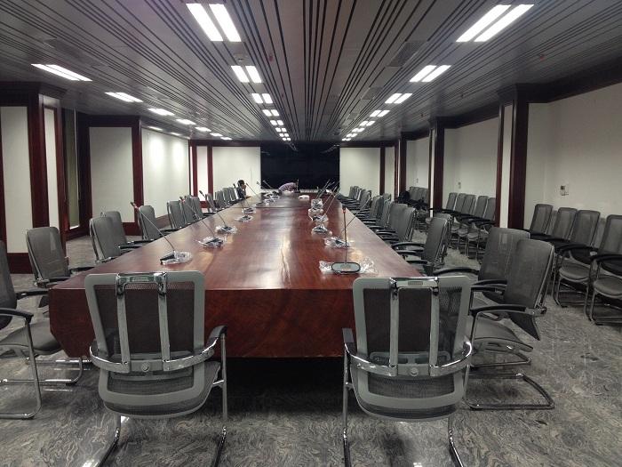 Hải Hưng lắp đặt hệ thống âm thanh phòng họp không dây Bosch - DCN