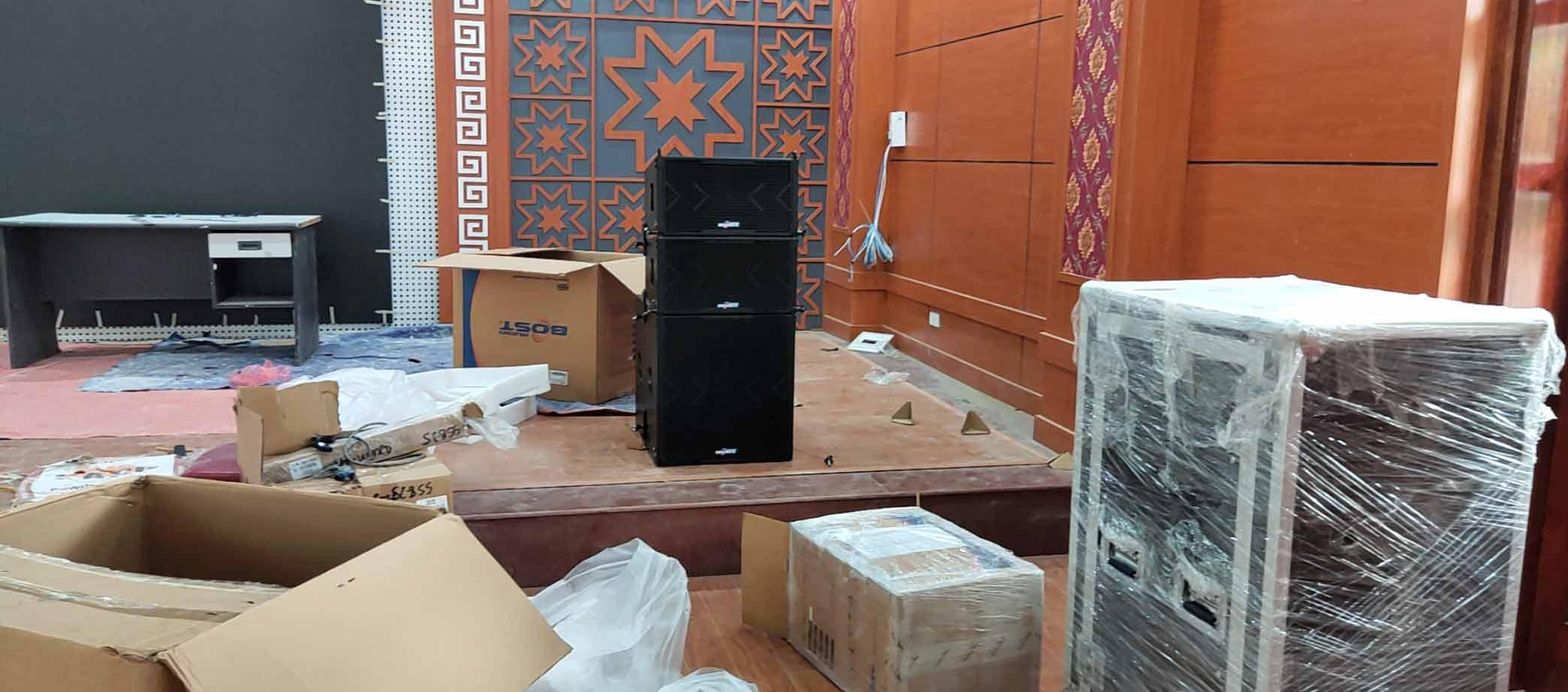 Audio Hải Hưng lắp đặt loa Bost cho khách hàng