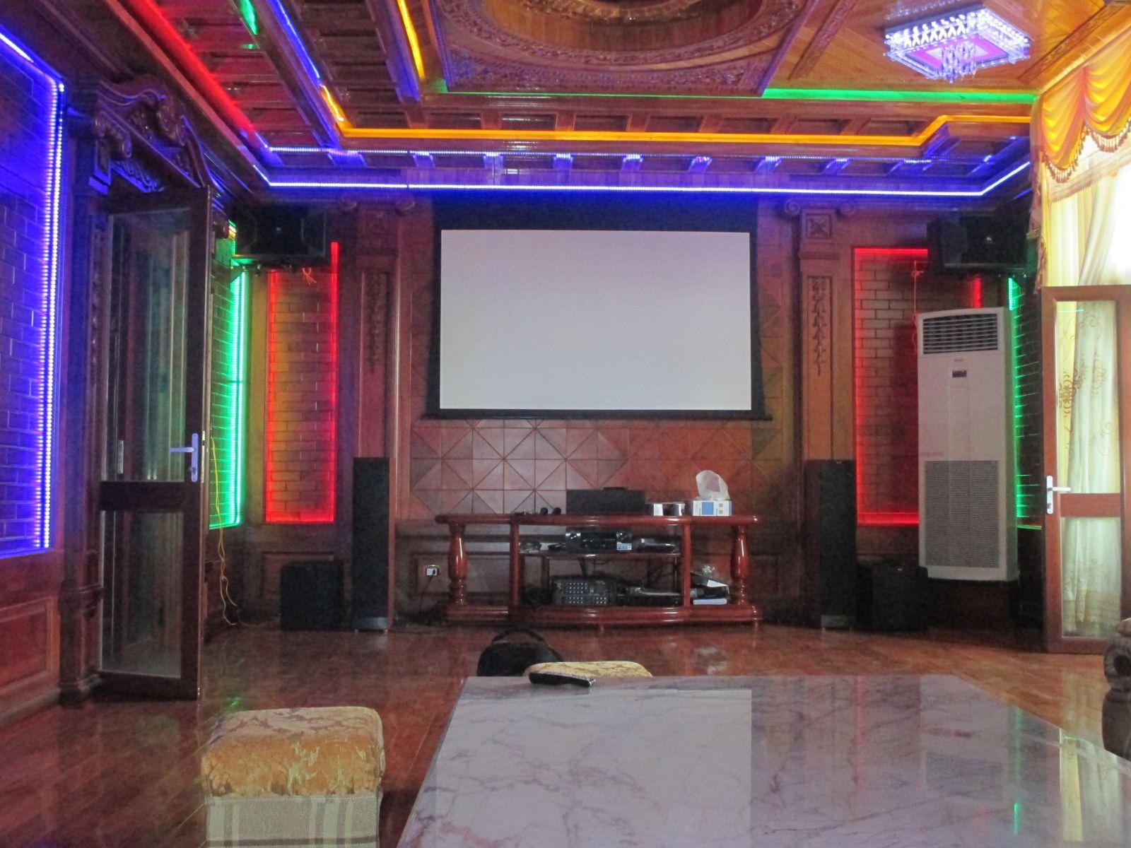 Hải Hưng lắp đặt phòng xem phim kết hợp karaoke